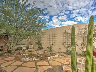 3BR Tucson House - 3400 Sq Ft on Beautiful Private Acre!