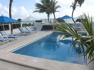 New Pool!!   Plus------ Large Private Beach in Front----Best of both Worlds!!!!, Puerto Morelos