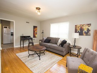 Fully Furnished 1 Bedroom Apt 4, Sioux Falls