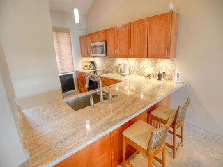 NEWLY RENOVATED! Beautiful 3 Bedroom, 3 Bath with an Ocean View, Kihei