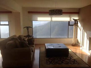 Large Quito Apartment, Entire Floor, Great Views