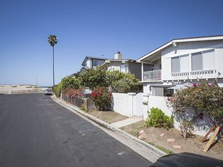 1235 NB Pierpoint Beach-Your Home Away from Home!, Ventura