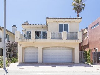5430 R - Mandalay Green Reef House - Beautiful Beach House Steps to Sand, Oxnard