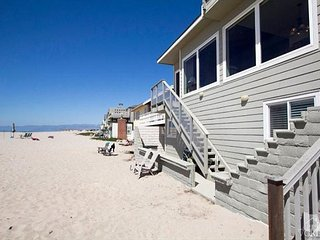 Big Comfortable Home on the Sand in Hollywood Beach!, Oxnard