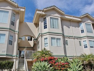 Located in beautiful Mandalay Shores!  Views Views! Steps from the sand!, Oxnard