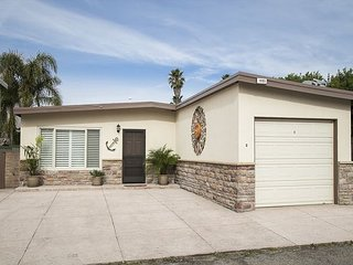 1065 Belfast Lane- 677804- Cozy Beach Bungalow, Ventura