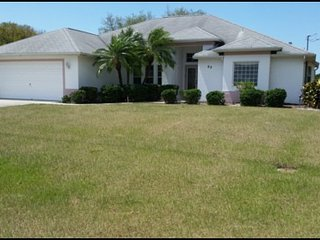 Golf Course Beauty, 3 bedroom, 2 bathroom, with living room and family room, set on a golf course.