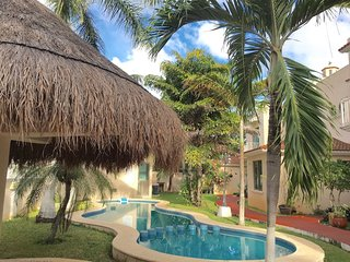 German expat family home! Security, pool and maid., Cancun