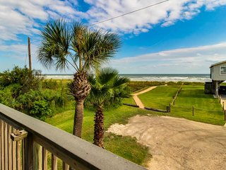 Dog-friendly oceanfront home with great views, lovely kitchen and deck