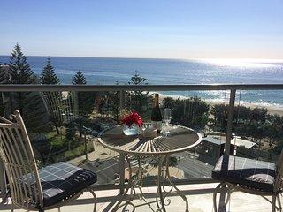Peninsula 2 Bed 2 Bath FREE Wifi, Car park., Surfers Paradise