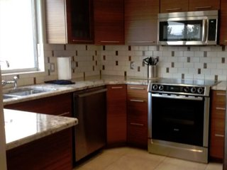 Remodeled 2 Bed 2 Bath Condo with access to Las Palmas Resort pools.