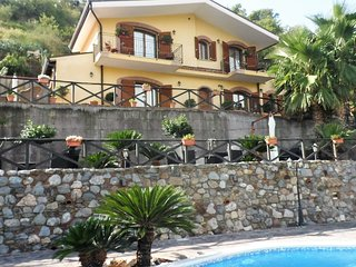 Villa Bella! Private Exclusive Villa with Pool!, Taormina