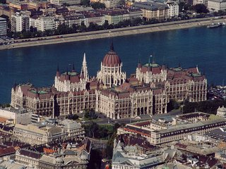 Parliament Apartment downtown 1-4 pers, 2 rooms , metro 2,, Budapest