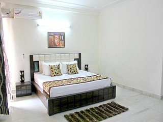 Defence Colony- Trendy 1 Bedroom Apartment, New Delhi