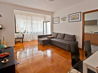 Fira Apartment