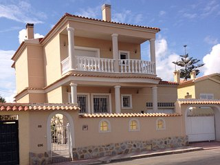 Peaceful Villa with Sea View, La Marina