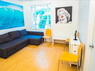 City Center Modern Two Bedroom on Collins Ave 1BB2BZA