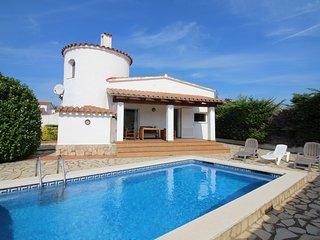 0005-ALBERES Casa con piscina