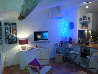 Cosy studio Suquet à Cannes, clim /option parking