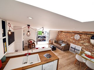 Super Cool Luxury Apartment in Greenwich Centre