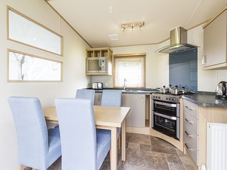 Ref 80009 Lansdown 6 berth static caravan Haven Hopton By the Beach.