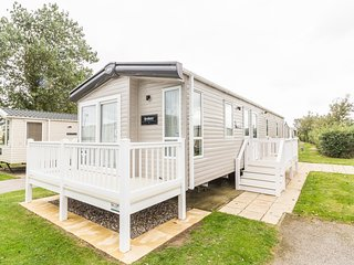 Ref 80009 Lansdown 6 berth static caravan Haven Hopton By the Beach., Hopton on Sea