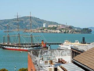 6 Bedroom Fisherman's Wharf with Views!, San Francisco