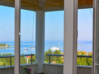 Lovley A&M ap Milicic, 3bdm, sea views, close to beaches , pools and playgrounds