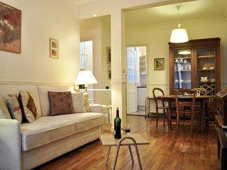 Unique Marais apartment in 04ème - Hôtel-de-Ville - Le Marais with WiFi.