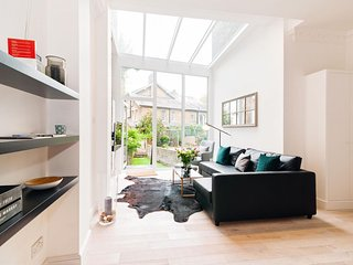 Cromwell Crescent Mansion apartment in Kensington & Chelsea with WiFi