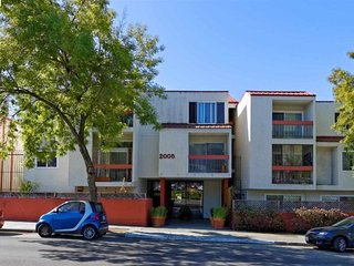 Furnished 1-Bedroom Condo at Gilbert St & Whitmore St Oakland