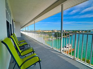 Dockside Condos 602 Waterfront | Intra-coastal View | Boat Slips Available, Clearwater