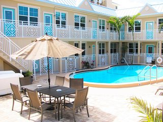 Clearwater Beach Suites 103- Poolside condo Close enough you can smell the
