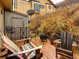 2BR, 2BA Ski In/Ski Out Park City Townhouse - Renovated, Rustic & Relaxing
