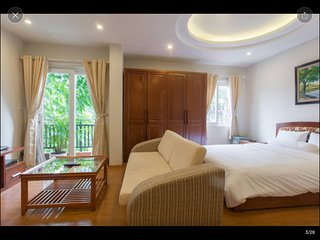 D701 Corner Studio, 5 windows, private balcony - Palmo Serviced Apartment 2