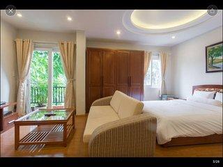 D701 Corner Studio, 5 windows, private balcony - Palmo Serviced Apartment 2