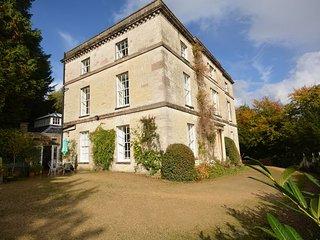 40074 House in Stroud, Sapperton