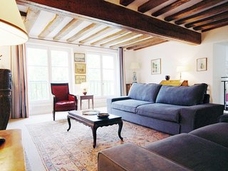 Apartment Bourbon Parisian Apartment to let, self catering apartment in Paris, 3