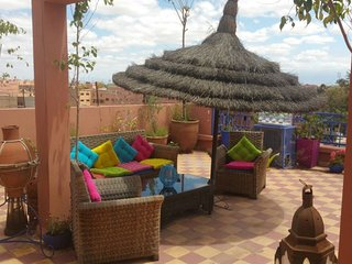 'Rouge', Gueliz 3 terraces, clean,Wifi, no doorman, Marrakech
