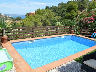 Villa with private pool. 4 bedrooms