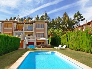 4 bedroom 3.5 bathroom Villa with Private pool, Sitio de Calahonda