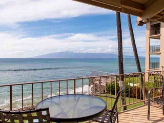 Oceanfront - Honokowai - 20 Feet to Ocean - Perfect spot for whale watching and