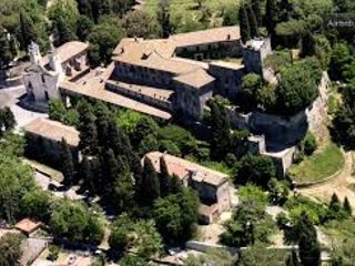 Castle of Mandela. Stone house with private access to romantic gardens., Tivoli