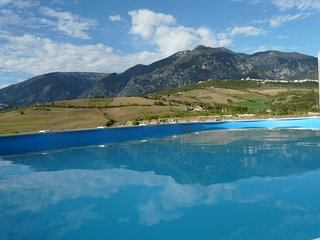 Le Farfalle Abruzzo - Farmhouse apartment 1 with pool near Casoli