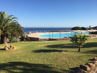 Maison 2 chambres à luz avec piscine et vue mer, Luz