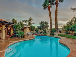 4 BR/K Scottsdale Home & Resort Pool ❤️  Last Minute Deals