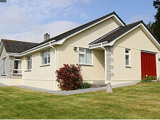 HIGHER TREGENNA NEWQUAY, Nr Newquays famous beaches and town, sleeps 9, Parking