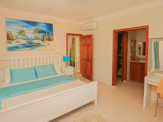 Gorgeous 2 fl., 2600 sq.ft. Penthouse by the beach, Bavaro