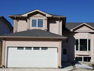 3 Bedroom House in Fort Richmond, Winnipeg