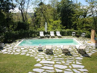 Il Castagno Country House with swimming pool, Camaiore